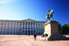 Oslo Palace - Moving to Oslo