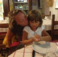 Hayley Richardson lives as an expat in Italy