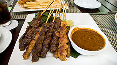 Eating out in Singapore - satay kebabs